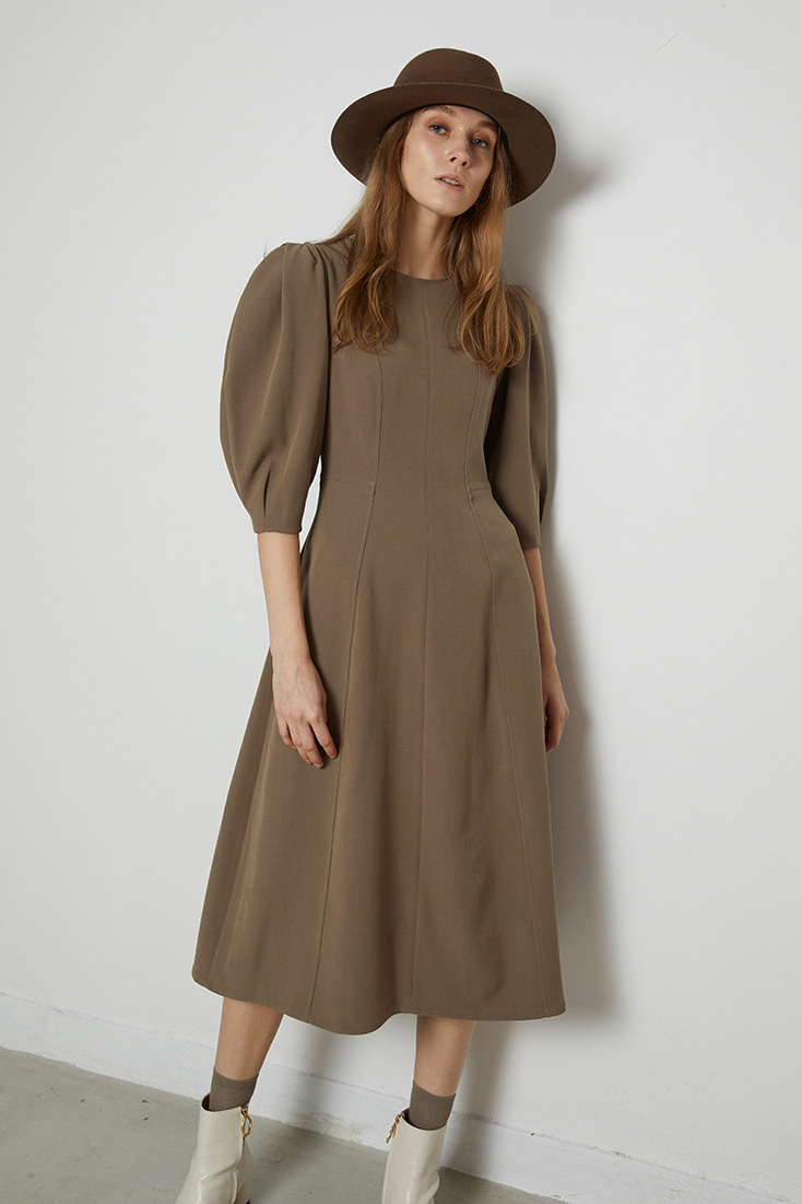 Volume Puffy Line Dress